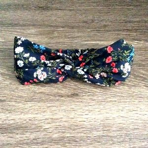 NWOT Twisted Front Floral Print Headband